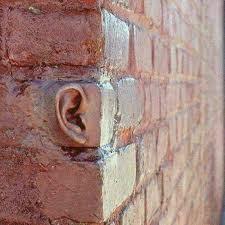 l'oreille était dans le ciel et écoutait le murmure de la terre...