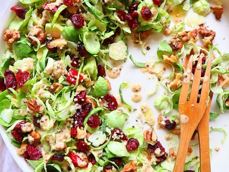 RECEPT: spruitjessalade met gedroogde veenbessen
