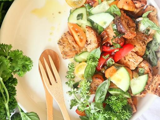 Gemakkelijke panzanella (broodsalade - supergemakkelijk en glutenvrije optie)