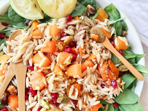 RECEPT: herfstsalade met pompen, spinazie en Griekse pasta (gezonde mealprep)