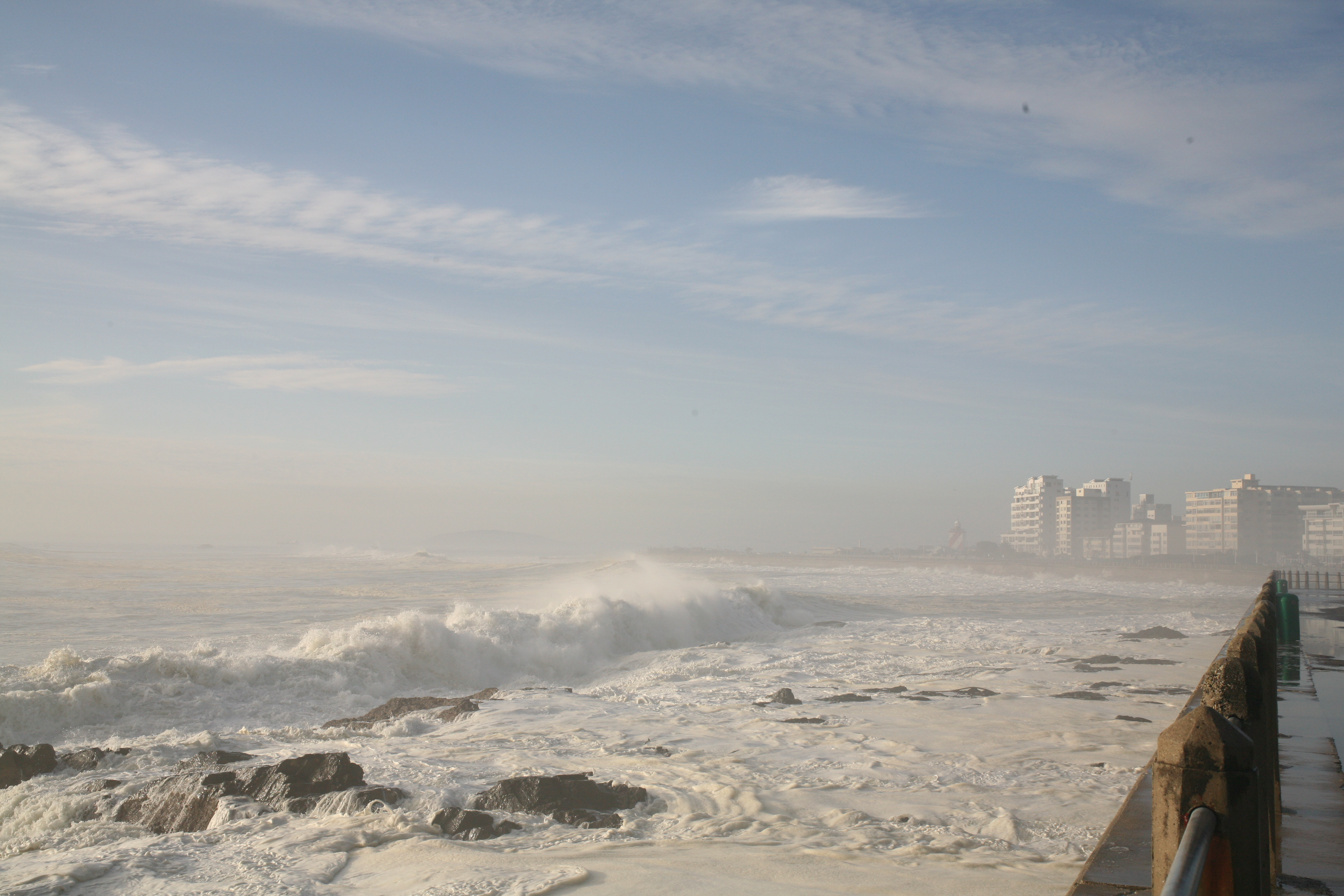 Cape Waves 0580