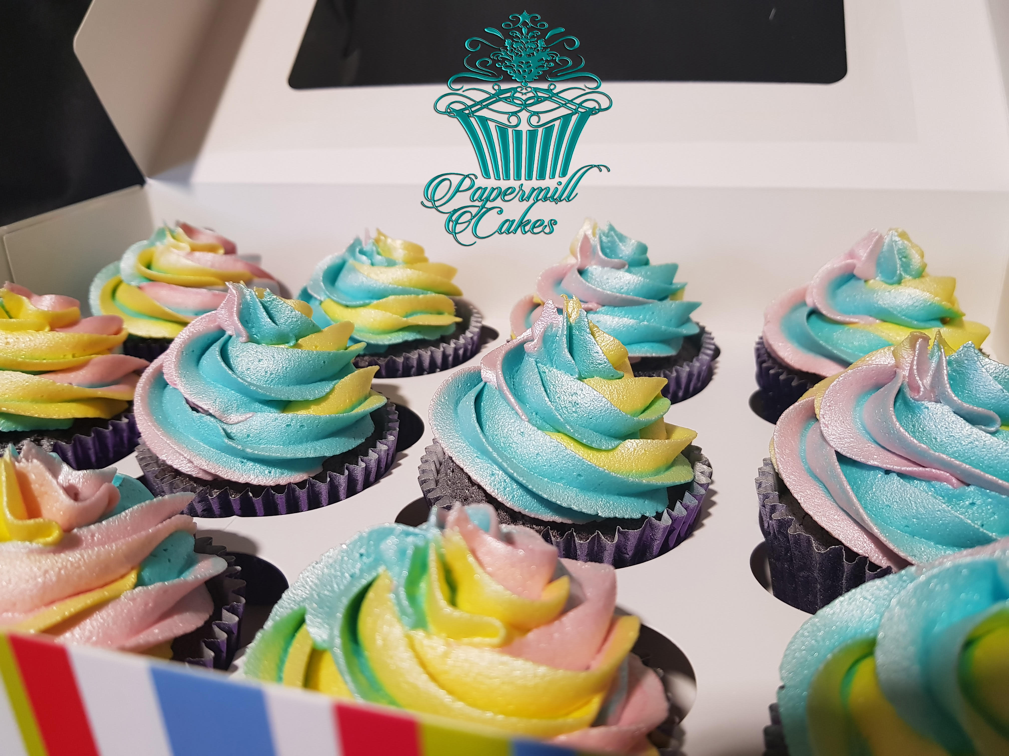 Tricolour Shiny Cupcakes