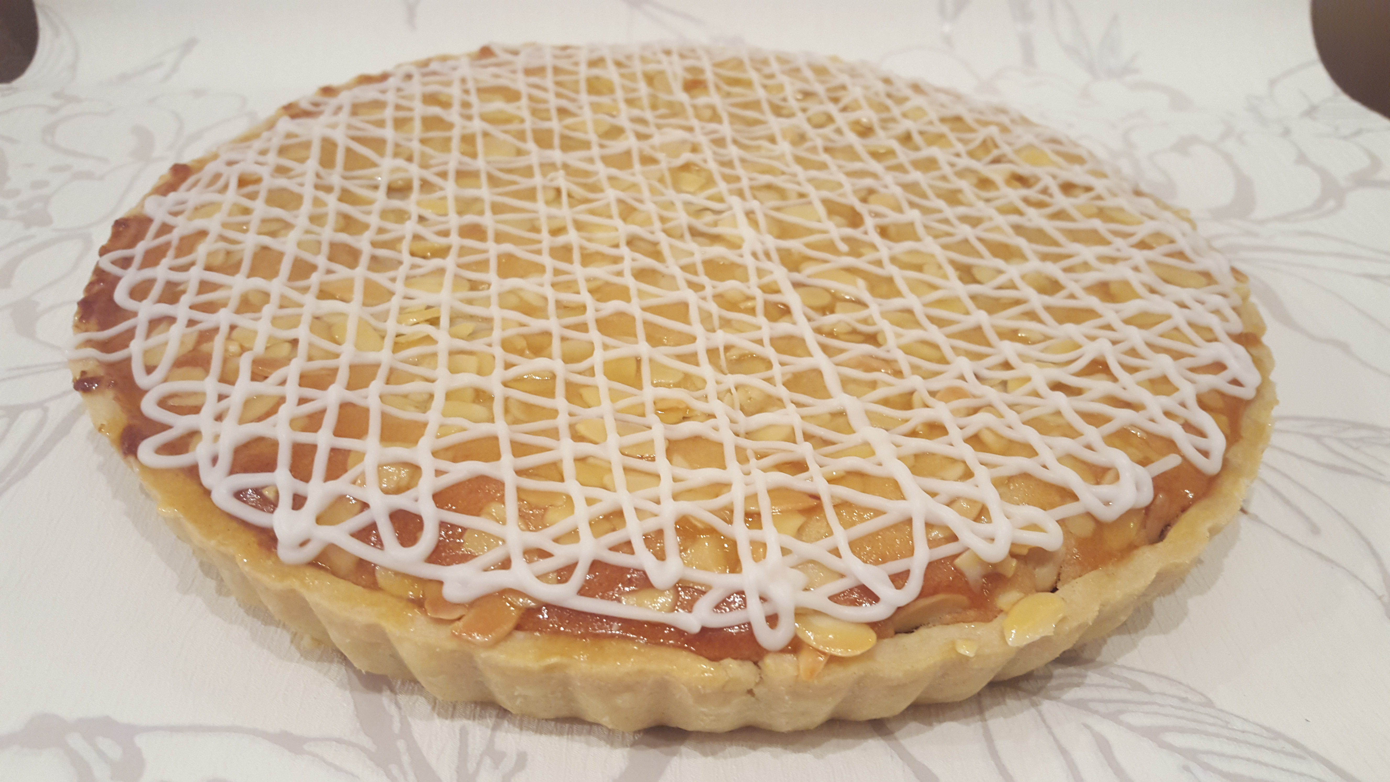 Traditional Bakewell Tart