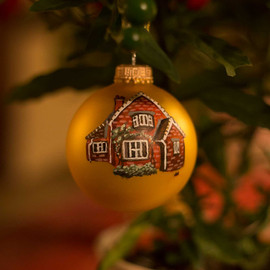 custom-house-portrait-christmas-bauble.j