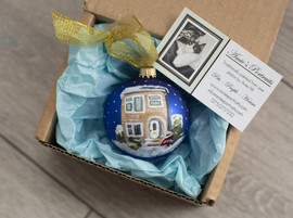 custom-christmas-house-bauble-handpainte