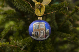 custom-christmas-house-portrait-baubles.