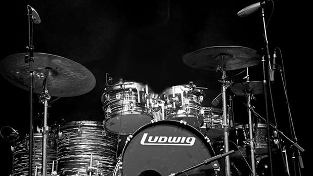 Questlove-Ludwig_drums-Roots_Picnic_2012