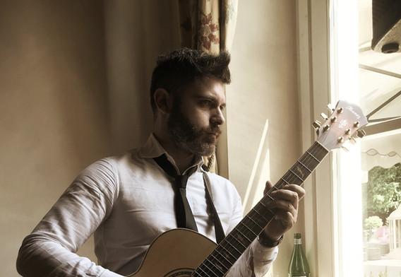Manuel Marzulli guitar of Blackbar