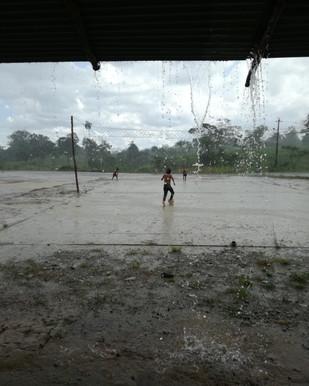 Giocando con la pioggia