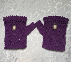 Purple Fingerless Lace Wristlets