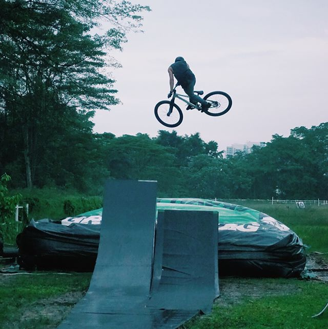 Steezy big air tricks from these MTB riders. __fermanshahp _mza