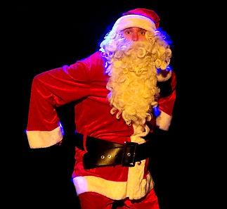 Le Père-Noël, dans le Noël des Super-Héros, un spectacle de Nicolas Guépin avec Morgane Leuridant