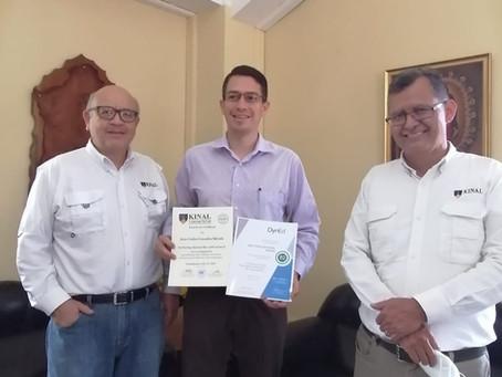 ¡Certificación de Inglés a Juan González!