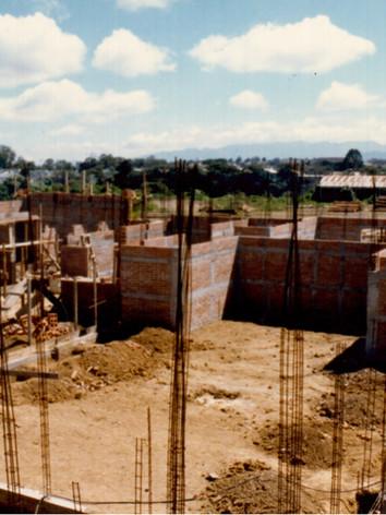 construcción sede 1989.jpg