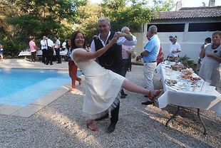 Des mariés heureux au Domaine des Danjean