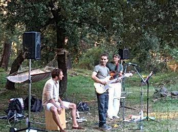 La musique Live rythme l'événement.