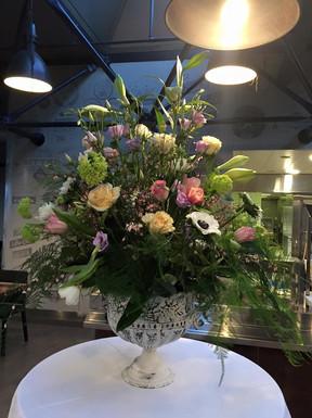 Compositions florales sur mesure pour professionnels70219929770029_215785940582705