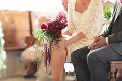 Bouquet champêtre de mariage rouge