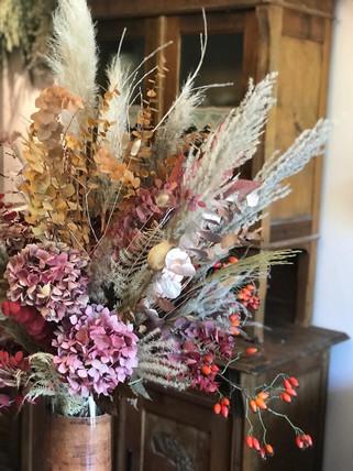 Arrangement floral fleurs séchées pampa réception hotel Genève évènement