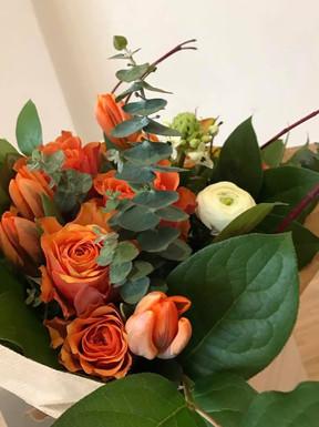 Bouquet frais de fleurs coupées