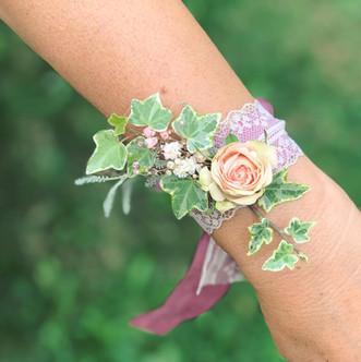 Bracelets de fleurs - mariage champêtre