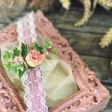 Bracelets de fleurs et dentelle - mariage champêtre