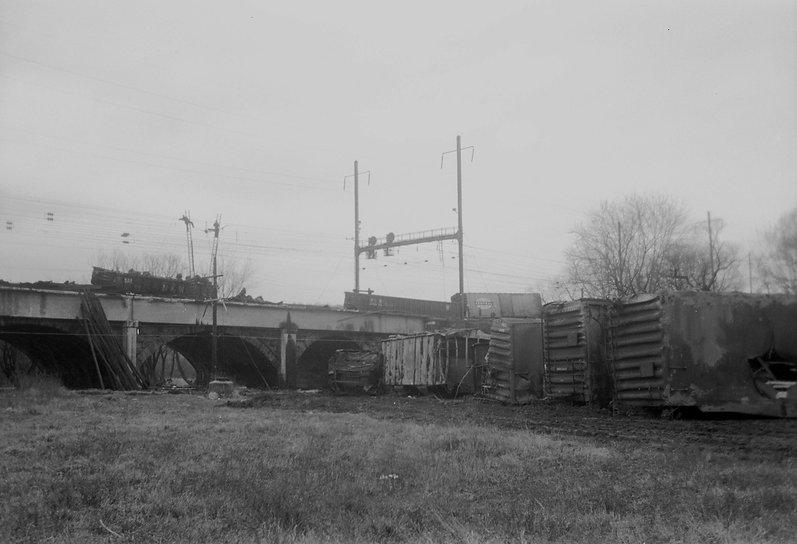 1973 Feb DOW Wreck-03.jpg