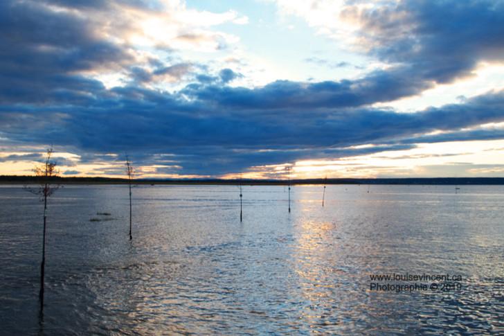 Départ du quai au coucher de soleil