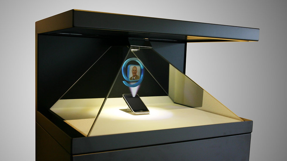 Pyramid Holographic