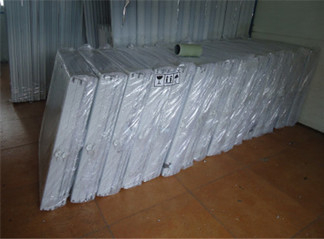 container-house-window-packing.jpg