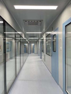 clean-room-window-manufacturer.jpg