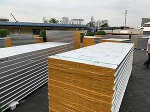 busy-insulated-sandwich-panel-workshop.j