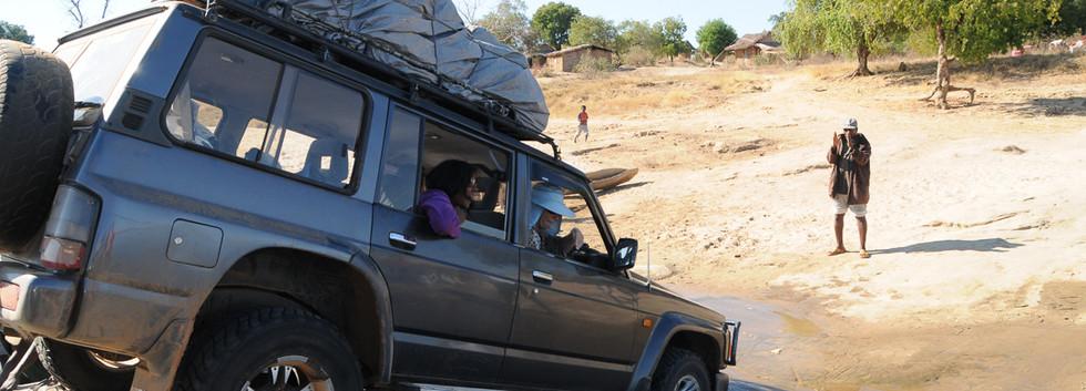 Madagascar_495_-_piste_vers_Beroroha_ent