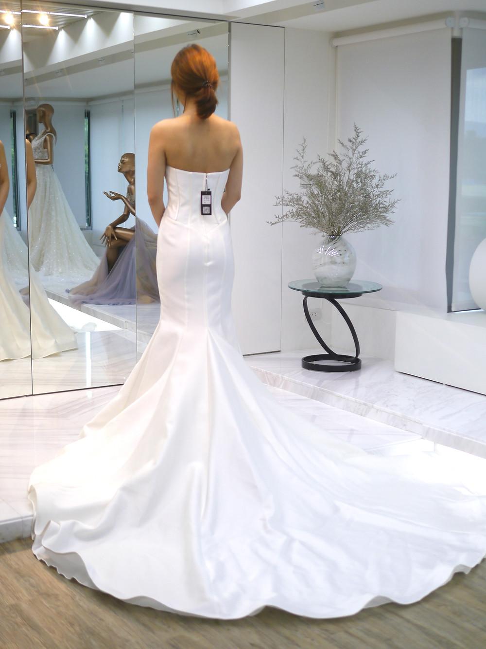 #魚尾 #人字腰設計 #高級白紗緞 #薄線剪蕾絲