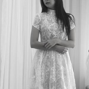 #小立領 #中式典雅白紗 #漸層設計 #圖騰蕾絲