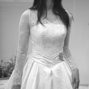 #薄蕾絲長袖 #人字腰蓬裙白紗 #優雅設計
