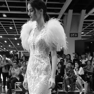 #名媛白紗 #時尚設計 #鴕鳥毛袖 #個性魚尾款 #獨家款