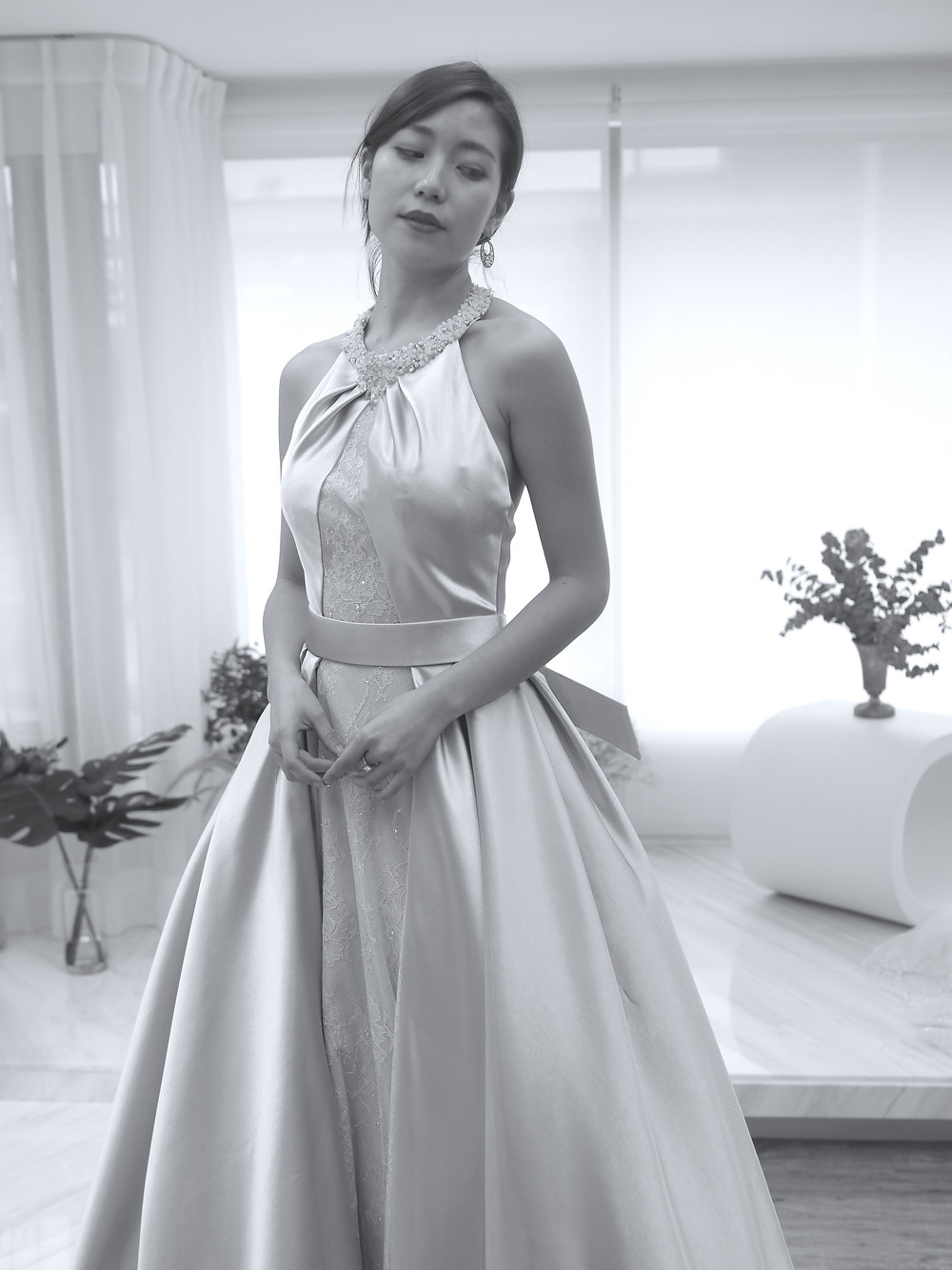 #經典削肩蓬裙款 #緞白紗 #優雅款