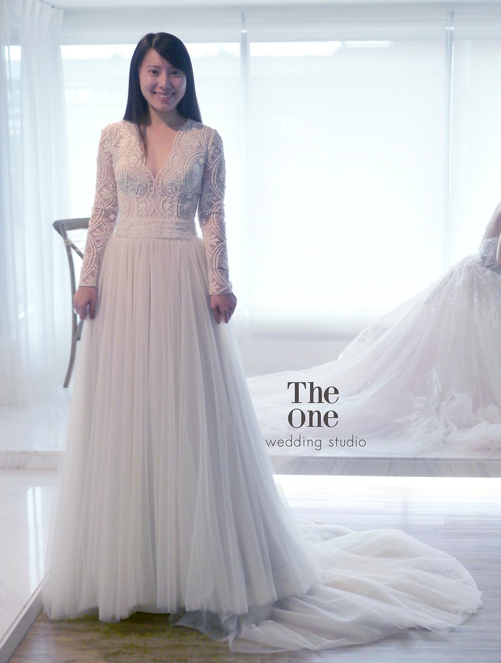 #長袖 #高級手工縫珠蕾絲 #V領花邊