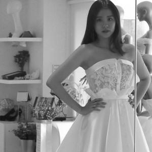 #時尚緞白紗 #特殊平口設計 #活動腰飾