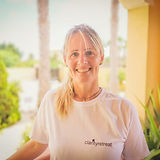 rianna mculloch yoga teacher and reiki practitioner clarity retreat