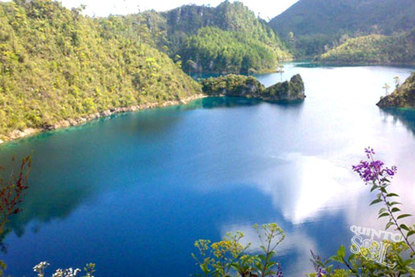 lagos de montebello.jpg