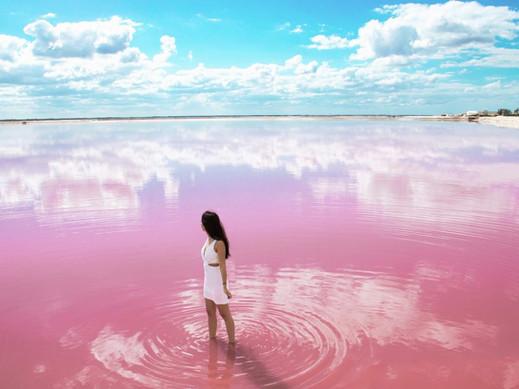 Las-Coloradas-Pink-Lake-820x615.jpg
