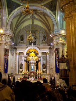 Altar_Basílica_de_San_Juan_de_los_Lagos.