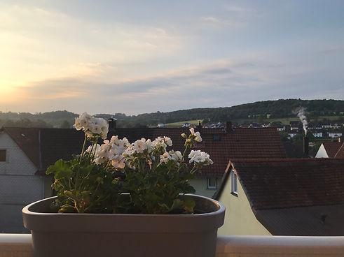 Abendstimmung auf dem Balkon unserer Ferienwohnung in Gedern