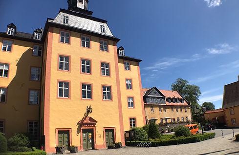 Das wunderschöne Gederner Schloss ist ganz in der Nähe unserer Ferienwohnung