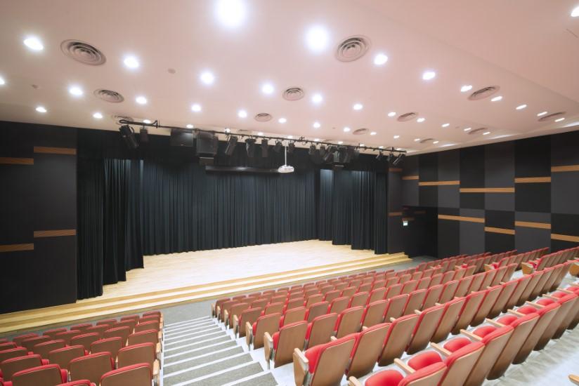 fairfield-methodist-school-auditorium 03