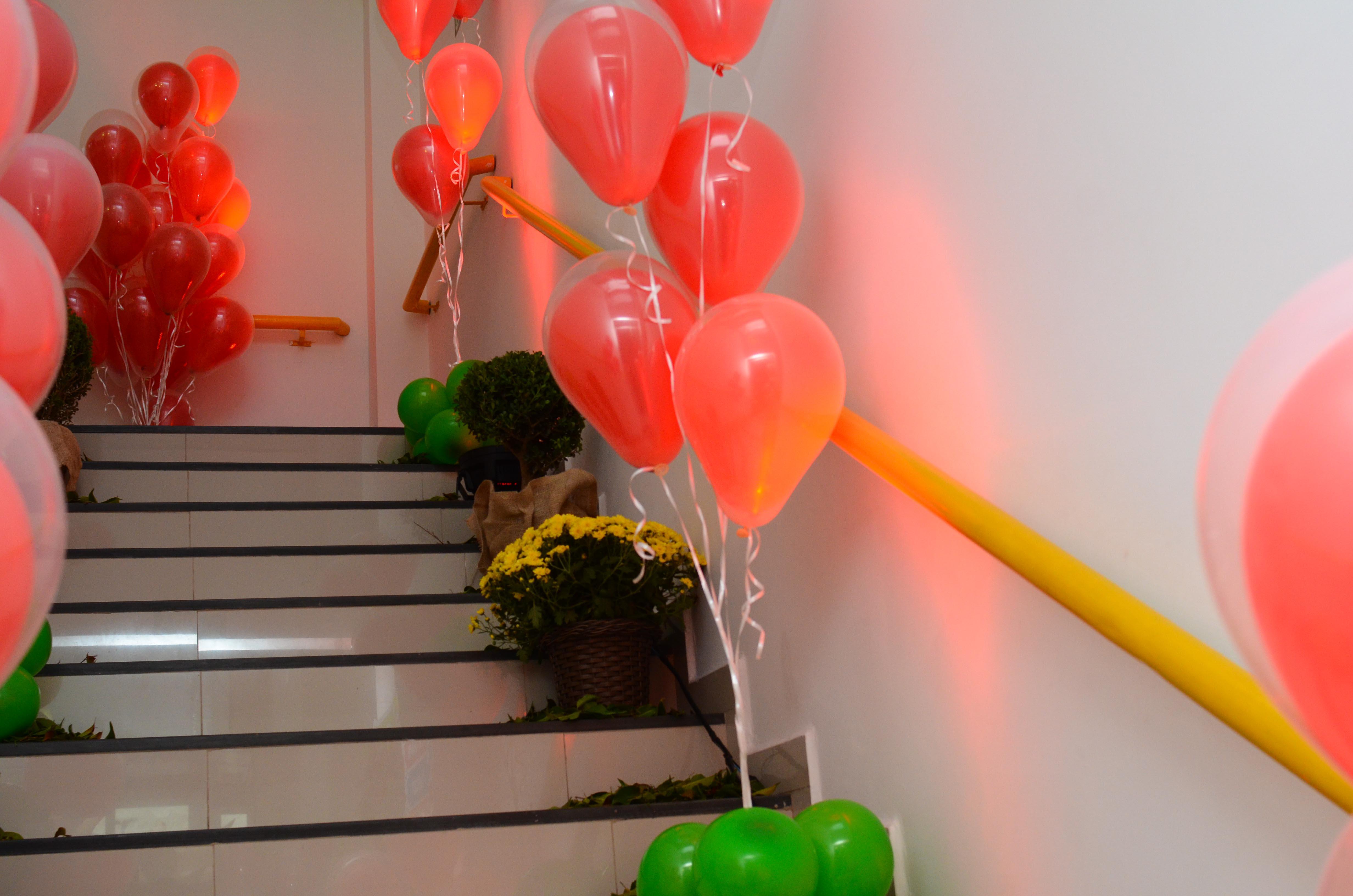 Balões e Luzes