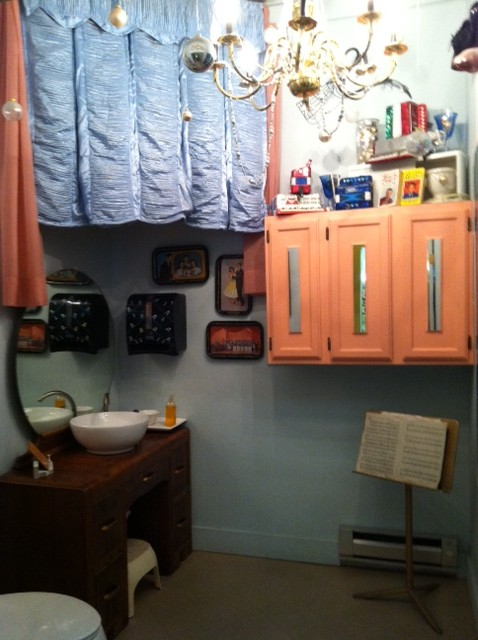 Lawrence Welk bathroom