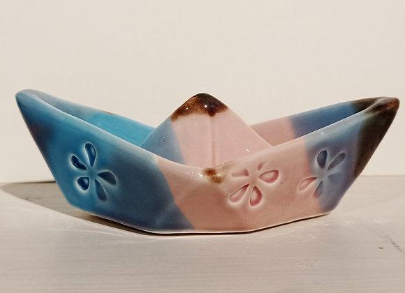 Boat/ Barchetta in ceramica . Pezzo unico